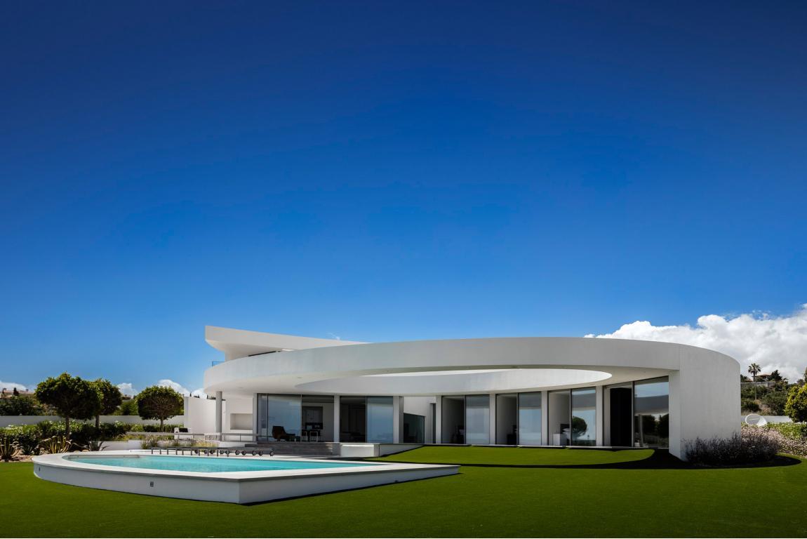 casa ellittica lagos portogallo
