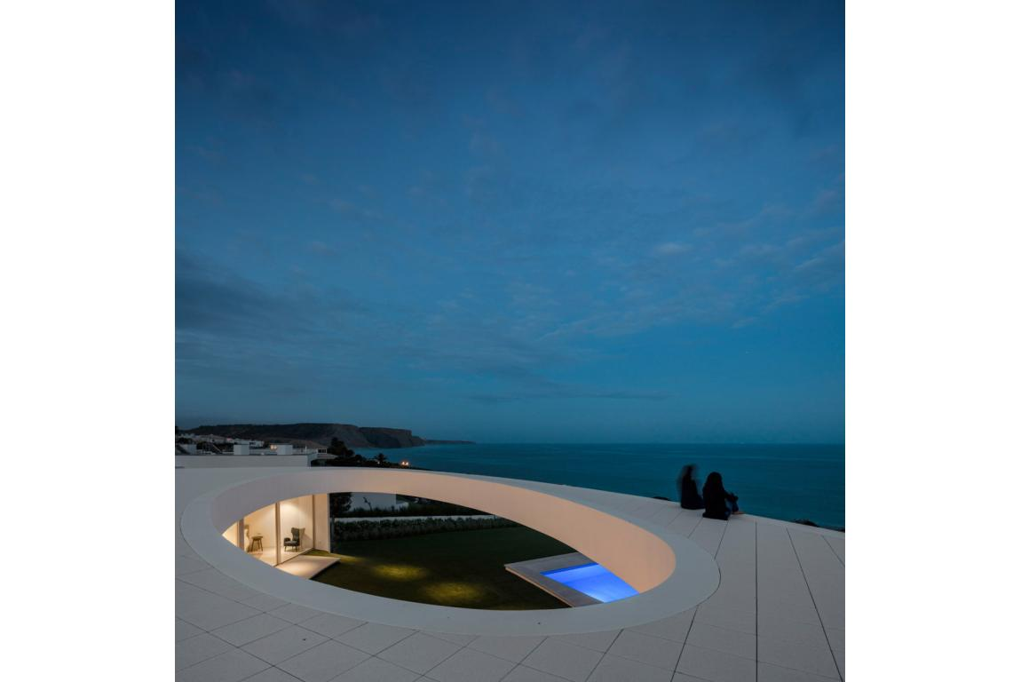 Elliptic House sea